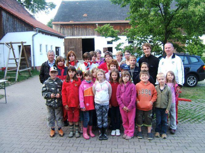 Gruppenbild Kinder auf Erlebnishof
